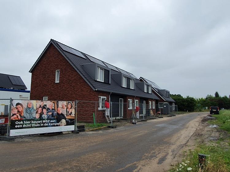 Toekomstige bewoners nemen een kijkje in de woningen in plan Akkerstraat Hoogeloon